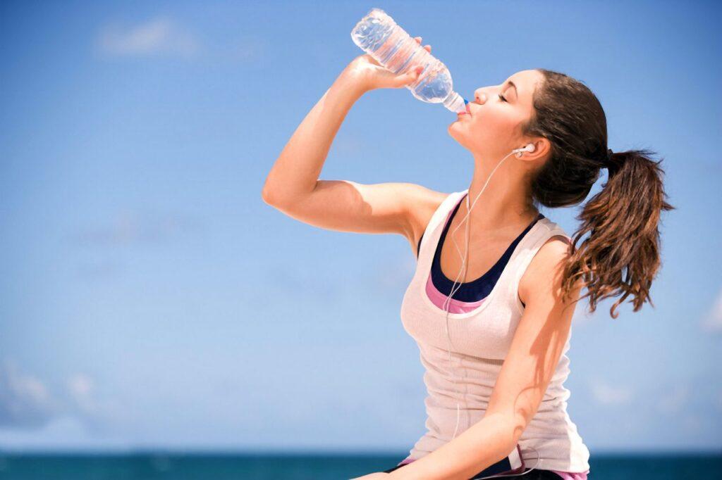 benefícios da água para pele
